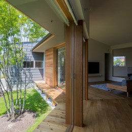 祖父江町の家/角地に建つ平屋の住まい