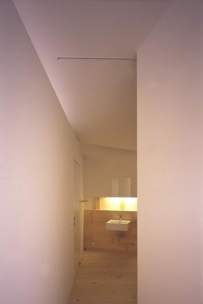 洗面脱衣室 (新屋の住宅)