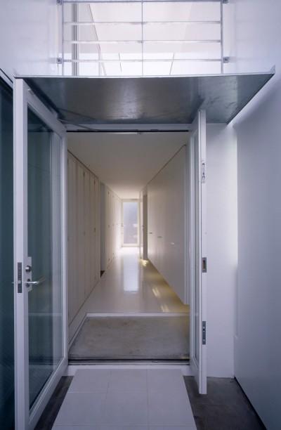 玄関 (経堂の住宅)