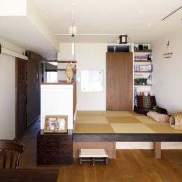 Y邸-長年の家への不満をリノベーションで解決! 猫4匹と快適に暮らす (リビング)
