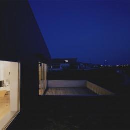 北茨城の住宅 (外観(夜景))