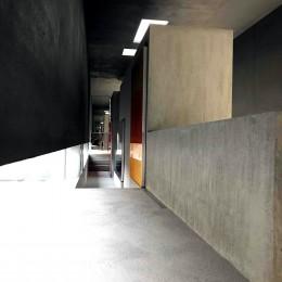 CASKET (狭い回廊)