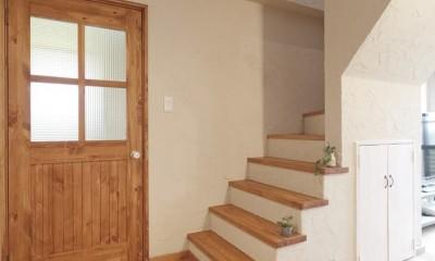 大阪府Fさん邸:家族がつながる開放的なLDK (リビング階段)
