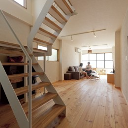大阪府Sさん邸:中古リノベーションで開放感のある個性的な空間に (間仕切りなしの、広々LDK)
