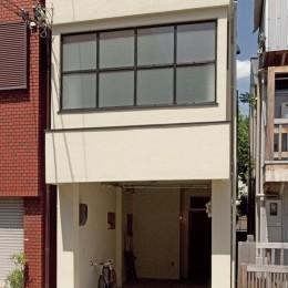 大阪府Sさん邸:中古リノベーションで開放感のある個性的な空間に (外壁を塗り替えてイメージ一新)