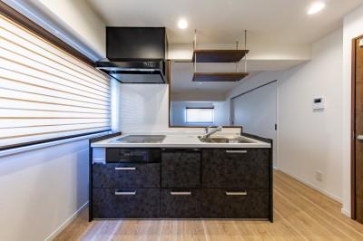 キッチン (~ 大きなL型のリビングカウンターが見どころ ~ スケルトン×フルリノベーション ~)