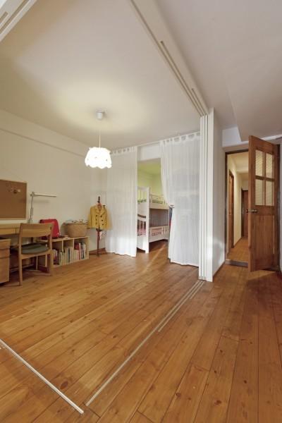 子ども部屋2 (大阪府Tさん邸:子どもに目が届く家族がつながるリノベーション)