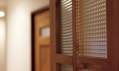大阪府Tさん邸:子どもに目が届く家族がつながるリノベーション (「私」テイストな建具)