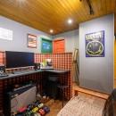 色で遊ぶ、趣味と暮らす家の写真 ご主人の音楽スタジオスペース