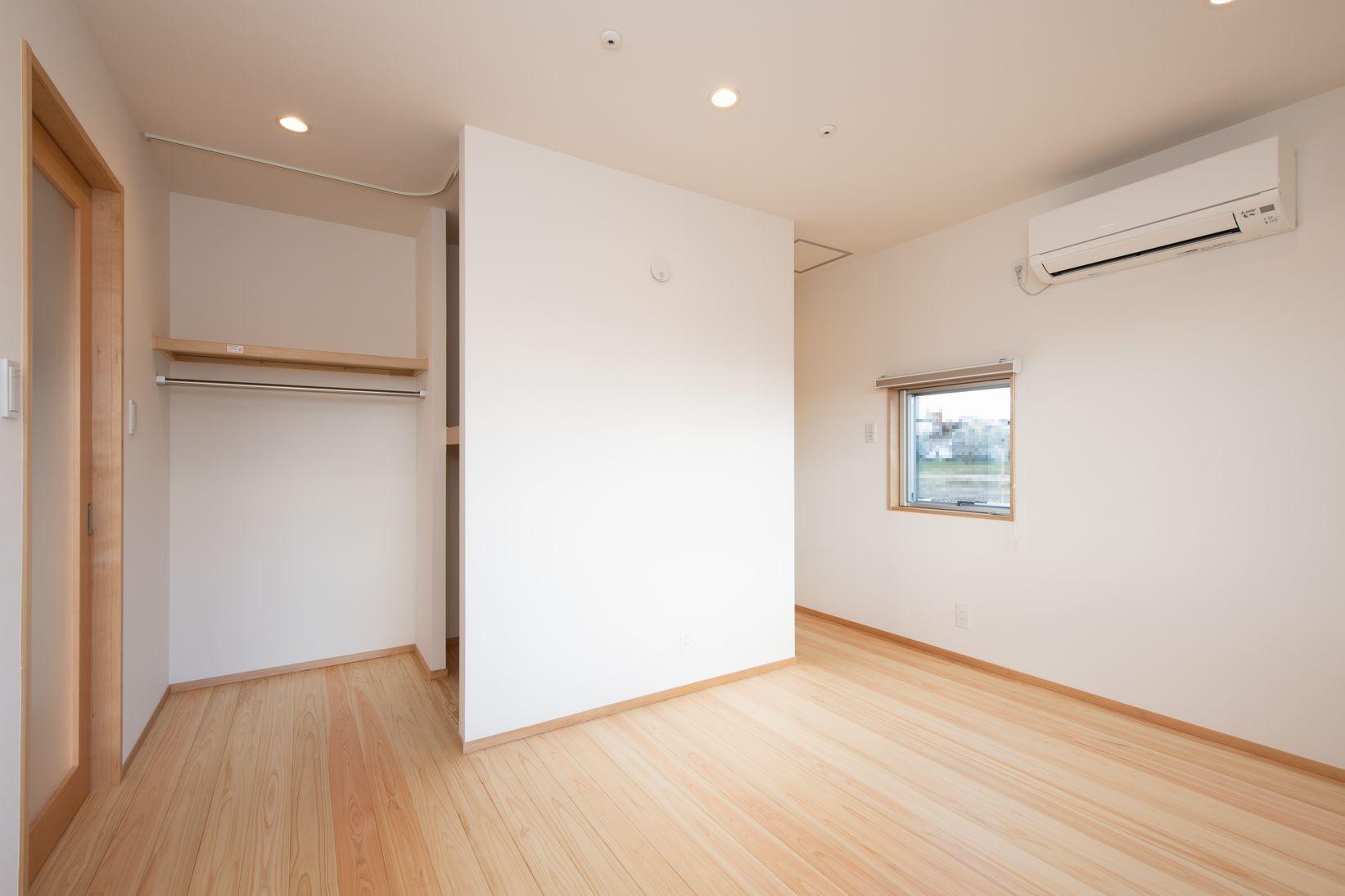 ベッドルーム事例:寝室(高基礎の平屋)