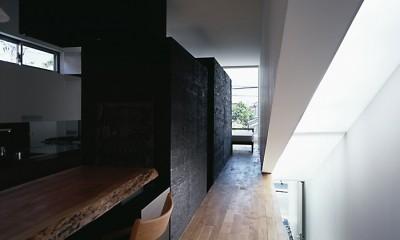 M HOUSE 狭小間口を活かした、道のような家 (ダイニング)