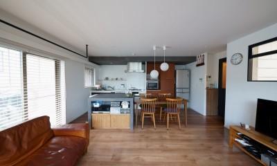 再販物件を部分リノベーション 理想のわが家の実現 (キッチンの配置を変えLDKを再構築)