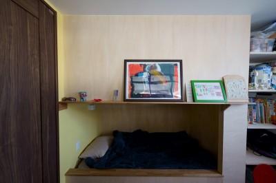 2段ベッドで間仕切られた子ども室 (再販物件を部分リノベーション 理想のわが家の実現)