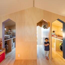 1・2・house 遊びゴコロいっぱいのボーダーレスハウス (寮のような子ども室)