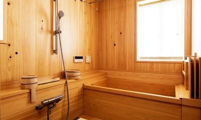くつろぎの住まいを、こだわりの輸入スタイルで実現 (【浴室】)