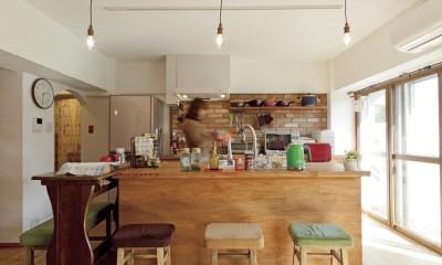 大阪府Aさん邸:温かみのある木のキッチンが主役の、レトロナチュラルな空間 (「木のキッチン」2)