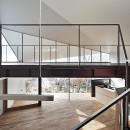 K HOUSE 高台からの眺望を望む、小屋のような住処の写真 玄関ホール