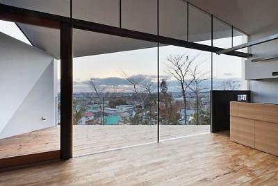 LDK (K HOUSE 高台からの眺望を望む、小屋のような住処)