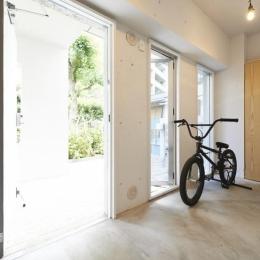 大阪府豊中市 リノベーション (自転車が置ける玄関)