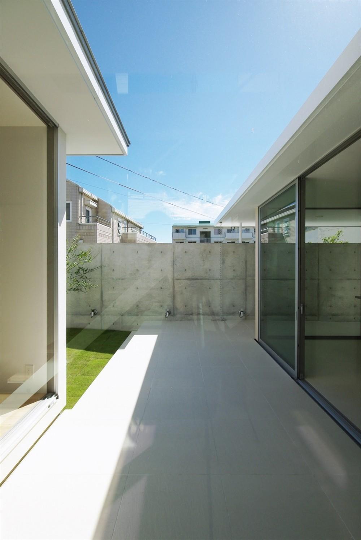 大脇の家-owaki (中庭テラス)