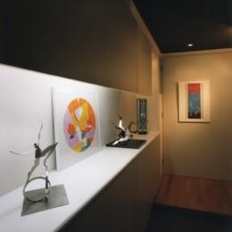 【ワーク ハウス】壁画。パントマイム。紙芝居。様々な文化を生み出す場