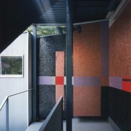 【ワーク ハウス】壁画。パントマイム。紙芝居。様々な文化を生み出す場 (壁画空間)
