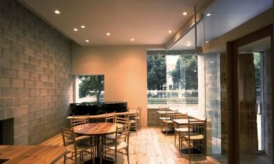 【土瑠茶ビル】  文化的営みを内包するモノトーンの箱 (喫茶店)