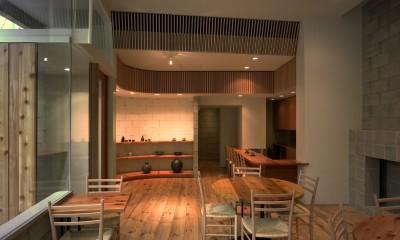 【土瑠茶ビル】  文化的営みを内包するモノトーンの箱
