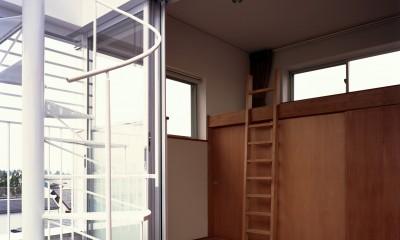 【土瑠茶ビル】  文化的営みを内包するモノトーンの箱 (テラス)