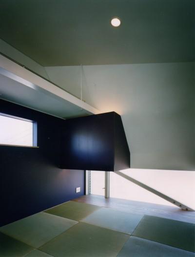 和室 (【葉山の家】  基礎の土で築山をつくり、立体的な庭園を生む)