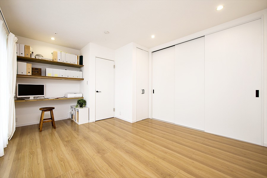 子どもに目が届くオープンキッチン スッキリ広々、子育てが楽しい家へ (【洋室】)