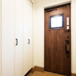 子どもに目が届くオープンキッチン スッキリ広々、子育てが楽しい家へ (【玄関】)