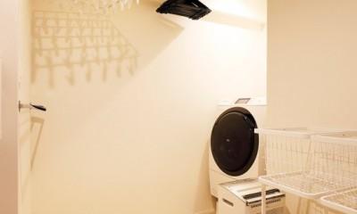 これまでの住まいの、お気に入りポイントはいかして不満点を解消した新しい住まい。 (脱衣室は、室内干しのできる洗濯スペース)