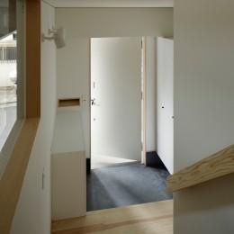 玄関 (東五反田の住宅/ 空き家木造住宅のリノベーション)