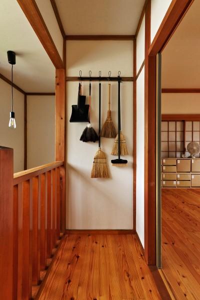 階段・2F (川崎市H様邸 ~レトロに家を育む~)