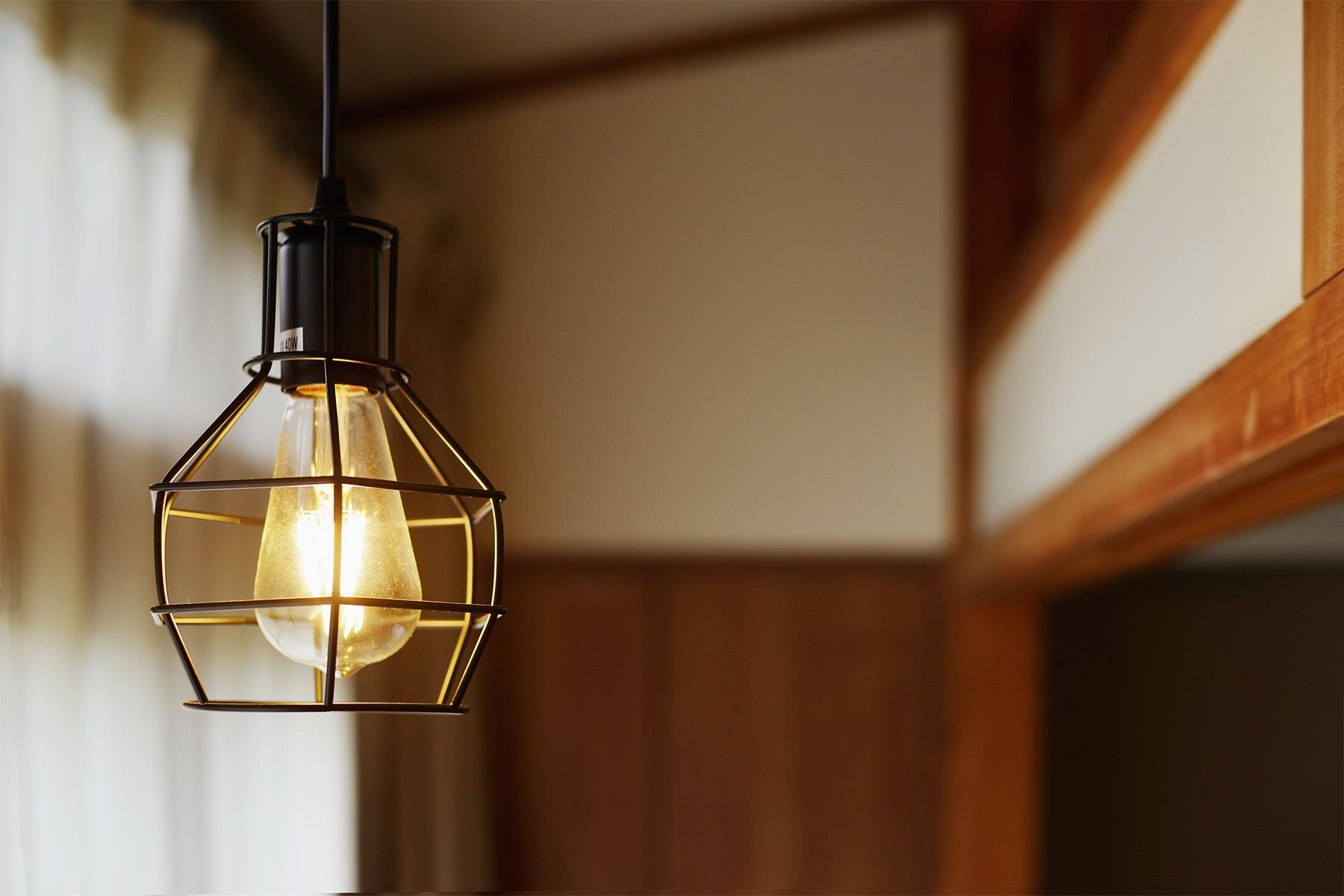 その他事例:2F廊下のペンダント照明(川崎市H様邸 ~レトロに家を育む~)