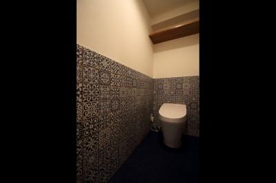 トイレ (木の温もりを感じる空間)