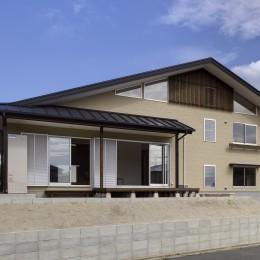 「ひかりヶ丘の家」~借景を楽しむ和モダンなスキップフロアーの家