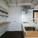白と茶色のコントラストの写真 キッチン