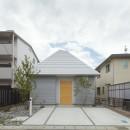 岩倉の家 / 閉じて開放感を得るトップライトハウスの写真 外観