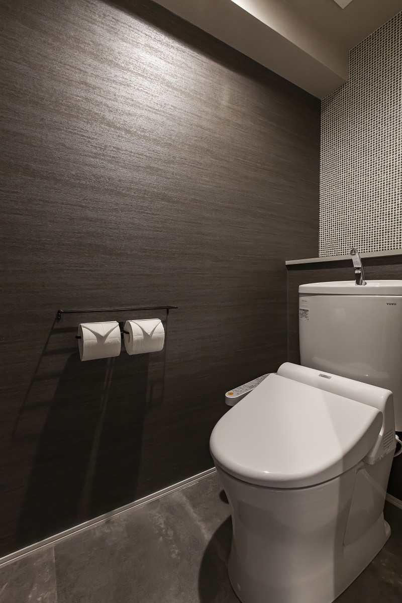 モルタル女子のこだわりマンションリノベーション ~Warbler(ウォーブラ)~ (トイレ)