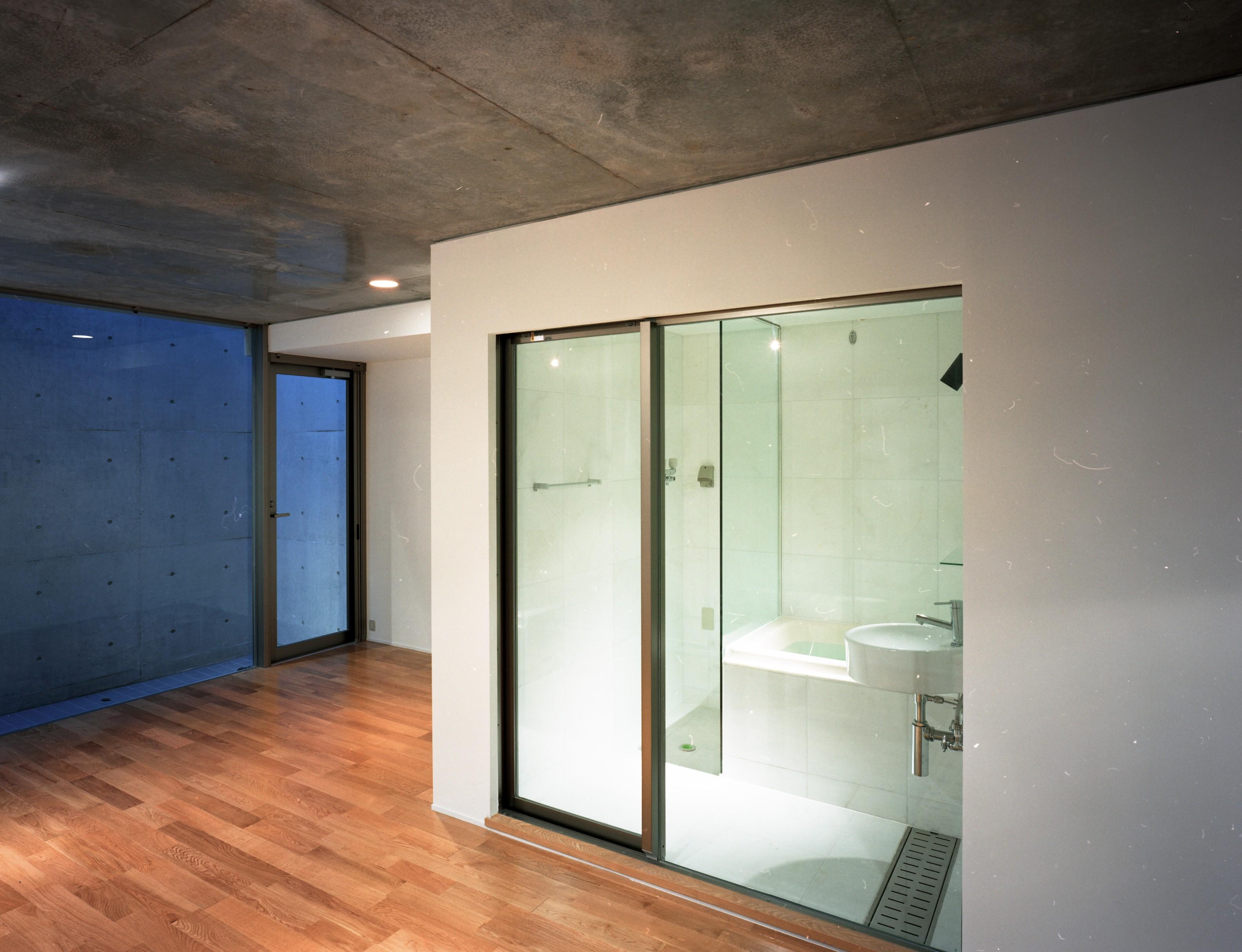 バス/トイレ事例:バスルーム(【フラッツS - 101】 都心の山岳都市住宅)