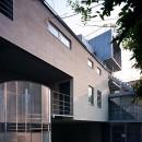 【フラッツS - 祖母の家】 都心の山岳都市住宅の写真 外観