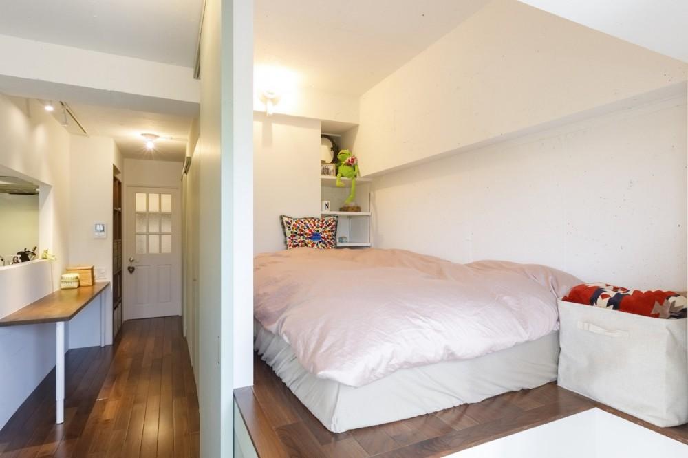 I邸-コンパクトな間取りでも収納はたっぷり。私らしい一人暮らしの住まい (ベッドルーム)