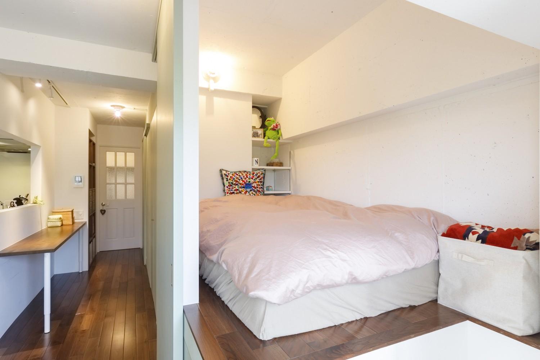 ベッドルーム事例:ベッドルーム(I邸-コンパクトな間取りでも収納はたっぷり。私らしい一人暮らしの住まい)