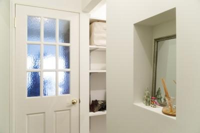 玄関 (I邸-コンパクトな間取りでも収納はたっぷり。私らしい一人暮らしの住まい)
