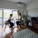 I邸-コンパクトな間取りでも収納はたっぷり。私らしい一人暮らしの住まいの写真 リビングダイニング