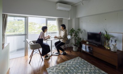I邸-コンパクトな間取りでも収納はたっぷり。私らしい一人暮らしの住まい (リビングダイニング)