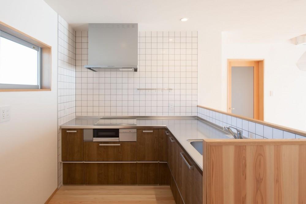 高基礎の平屋 (キッチン)