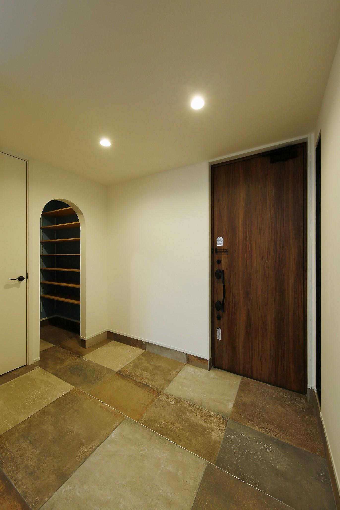 玄関事例:玄関(笑顔が集まるおもてなしの空間)